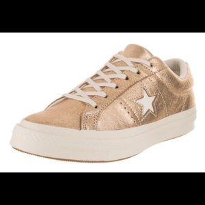 Brand new converse gold 😍😍